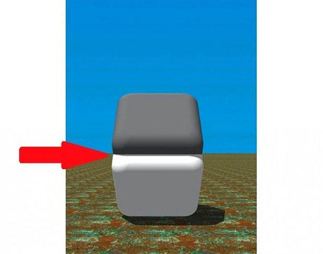 21. Bu gördüğünüz karelerin renkleri tamamen aynıdır. Bunu anlamak için işaret parmağınızı kırmızı ok yönünde şeklin ortasına koyun ve tekrar bakın. Renklerin aynı olduğunu daha iyi anlayacaksınız
