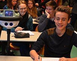 Robot Öğrenciler Dersi Kıramayacak
