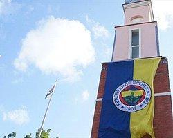 Şampiyonlar Anıtı'na Fenerbahçe Bayrağı