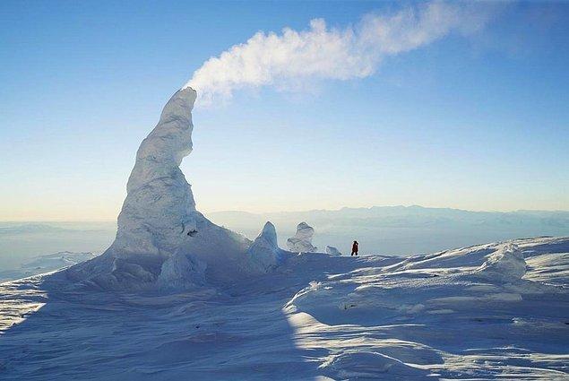 30. Kar bacaları, Erebus Dağı, Antartika: Güney'deki en aktif volkan üzerinde oluşuyor.