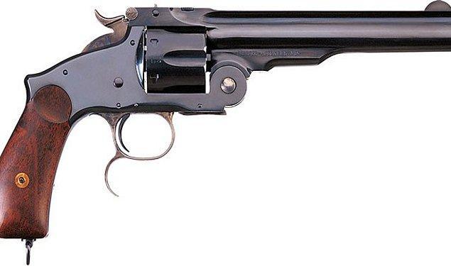 18. Maktulün kendisini nasıl vurduğunu jüriye göstermek isterken kendi kendini öldürmek