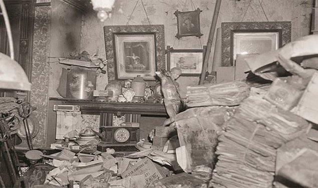 13. Kör bir adamın evine doldurduğu ıvır zıvır sonucu çıkış kapısını bulamaması sonucu açlıktan ölmesi