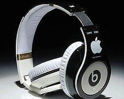 Apple Sıra Dışı Kulaklıklarıyla Geliyor