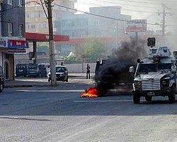 """Polisten Eylemcilere: """"Adam Gibi Eylem Yapın"""""""
