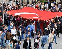 Ülkü Ocakları'ndan 'Bayrak Yürüyüşü'