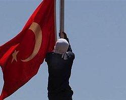 KCK'dan Bayrak Açıklaması: 'Şiddetle Kınıyoruz'