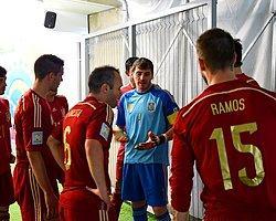 Casillas Bırakıyor mu?