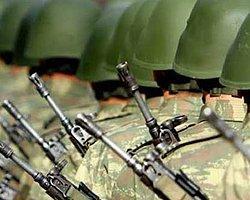 Kışlada PKK Marşına Çifte Soruşturma