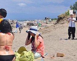 Plajdaki Kadınlara 'Kapanın' Broşürü