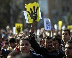 Göstericiler Rabia Meydanı'na Giriyor