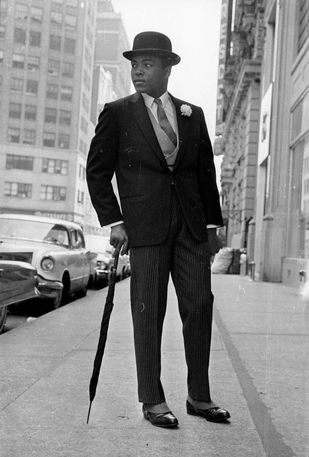42. Şık giyimli Muhammed Ali