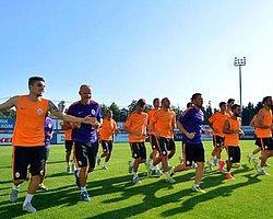 Galatasaray Sahaya İndi!