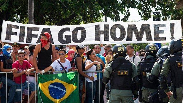 4) Ancak bağımsız kaynaklar yetkililerle aynı görüşte değil. Aksine Brezilya ekonomisinin daha da gerilediğini belirtiyorlar