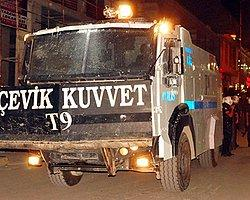 Van'da IŞİD Protestosuna Polis Müdahalesi