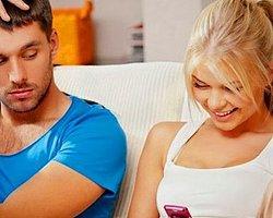 Sevgiliye Daha Kapalı Giyinmesi Gerektiğini Söylemenin 10 Esprili Yolu