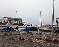 Üsküdar Meydanı Yine Sular Altında Kaldı
