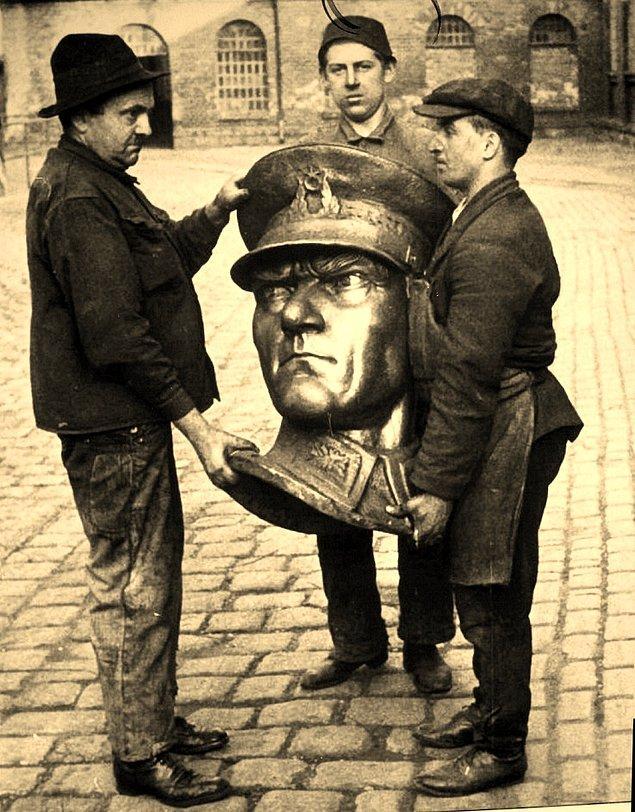 16. Avusturyalı Heykelci KRIPPEL