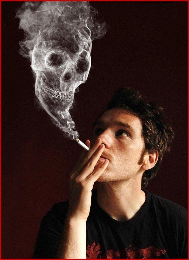 11. Sigara içerken fotoğraf çekilmek havalı olmuyor maalesef