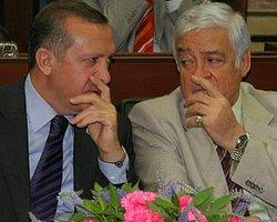 AKP Kurucusu İstifa Etti