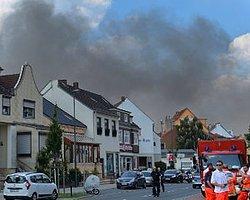 Almanya'da Uçak Düştü: 2 Ölü