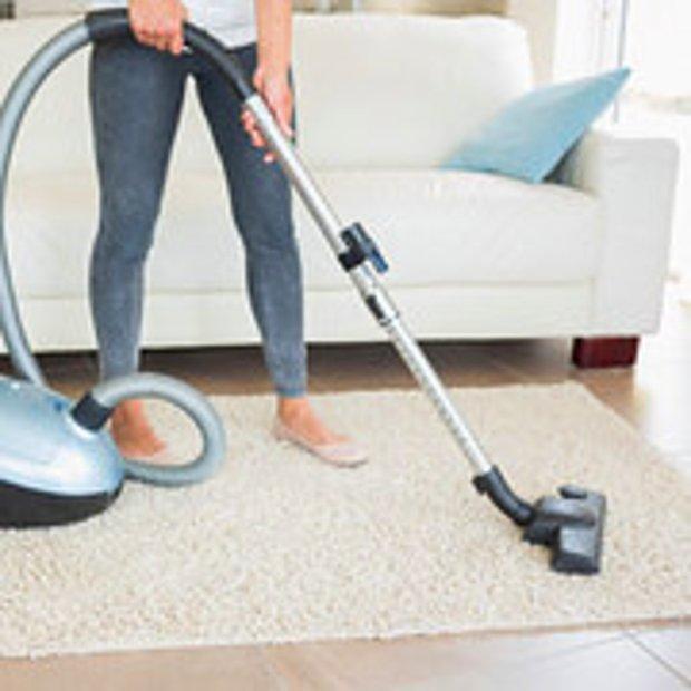 Evi süpürmek