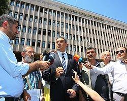 CHP İstanbul Milletvekili Umut Oran ve rehine yakını Muammer Taşdelen, IŞİD'in Musul Başkonsolosluğunda rehin aldığı 49 kişi hakkında 56 gündür hiçbir sonuç alıcı girişimde bulunmadıkları gerekçesiyle Başbakan Erdoğan, Dışişleri Bakanı Davutoğlu ve Dışişleri Müsteşar Yardımcısı Ömer Önhon hakkında suç duyurusunda bulundu.