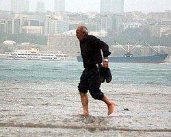 Beklenen Yağış Geldi, İstanbul'u Yine Sel Aldı, Üsküdar Bildiğiniz Gibi...