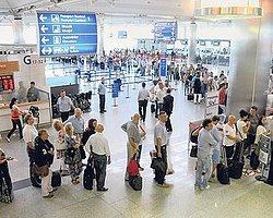 Pasaport Kontrolünde 'Polissiz' Dönem