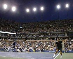 Federer'den Rahat Başlangıç