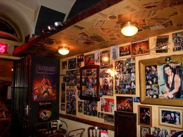 10. Manowar Pub