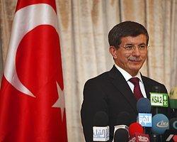 """CHP'den Başbakan Ahmet Davutoğlu'na ilk soru önergesi Genelkurmay Başkanı Org. Necdet Özel'in """"Çözüm sürecine ilişkin yol haritasını bilmiyoruz. O çalışmanın içinde yokuz"""" sözüyle ilgili olarak geldi."""