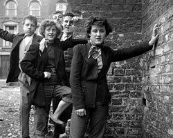"""1950 İngiltere'sinin Erkek Fatmaları; """"Teddy Girls"""""""