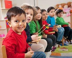 Çocuğu Okula Yeni Başlayan Ve Uyum Sorunu Yaşayan Aileler Dikkat!
