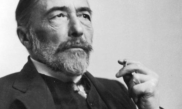 """5. """"Kadın olmak çok zor bir iştir çünkü erkeklerle uğraşmak zorundadırlar."""" - Joseph Conrad"""
