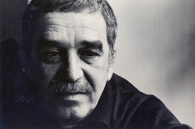 """22. """"Bir kadın, sevdiği adamın başka bir kadın tarafından mutlu edildiğini görmektense, onu can çekişirken görmeyi tercih eder.""""  - Gabriel Garcia Marquez"""