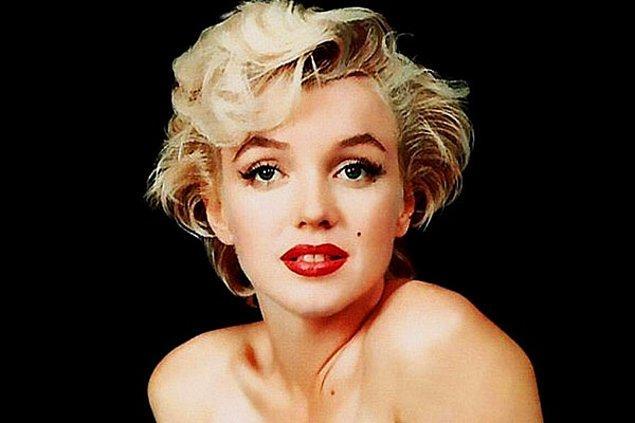 """10. """"Bir kadına doğru ayakkabıları verirseniz dünyayı bile fethedebilir.""""  - Marilyn Monroe"""