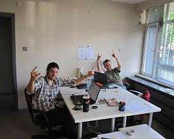 Ofis Masalarında Bulunan 10 Saçma Obje