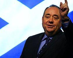 İskoçya Başbakanı Salmond İstifa Etti