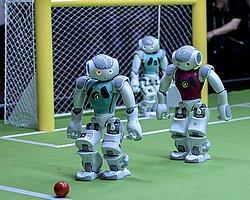 Robotlar Sahaya İndi