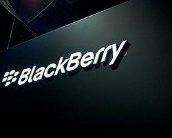 Blackberry'den Üç Yeni Cep Daha Geliyor!
