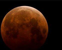 Kanlı Ay Tutulması Gerçekleşti!