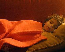 Tüm gün uyumak güzel bir seçenek olabilir :)