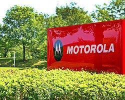 Motorola Yeni Telefonunu Gösterdi Çekti!