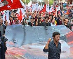 Başkent'te 'Bayrak ve Atatürk' Yürüyüşü