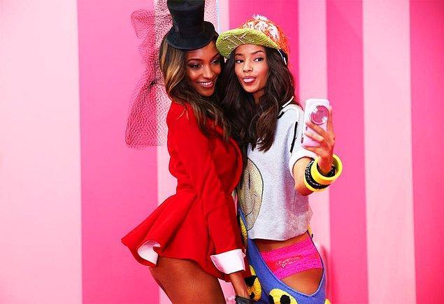6. Victoria's Secret modellerinin arkadaşlığına imrenirsin.