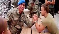 Türk Komandosu Hollandalı Askerle Böyle Dalga Geçti!