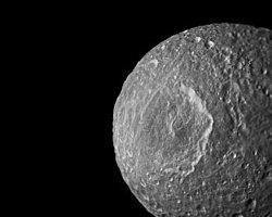 Saturn'ün Aylarından Birinde Yer Altı Denizi Olabilir