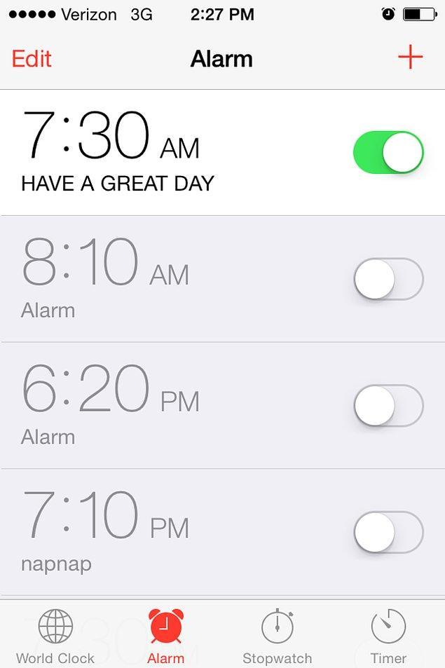 14. Alarmlarınıza sizi yataktan kalkmaya teşvik edecek notlar yazın. Güne mutlu başlayın.