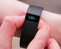 """Fitbit Akıllı Saat Yarışına """"Süper Saati"""" Surge ile Katılıyor"""