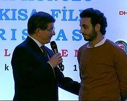 Ödül Töreninde Hükümeti Eleştiren Yönetmen Suat Eroğlu Darp Edildi